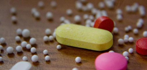 4 analgésicos comunes altamente adictivos