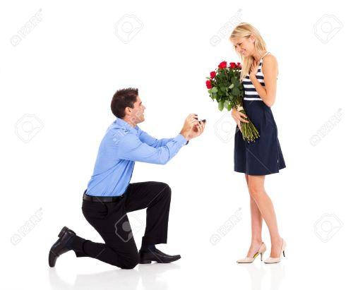 hombre-dando-flores-mujer-mujer-20-25-anos_288105