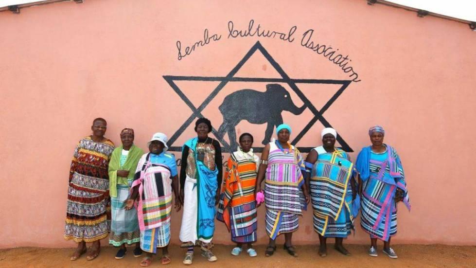 Mujeres-de-la-comunidad-Lemba